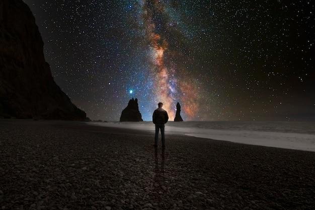 Cielo stellato sul mare
