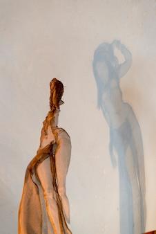 Statua nel museo d'arte, fabrica la aurora, san miguel de allende, guanajuato, messico
