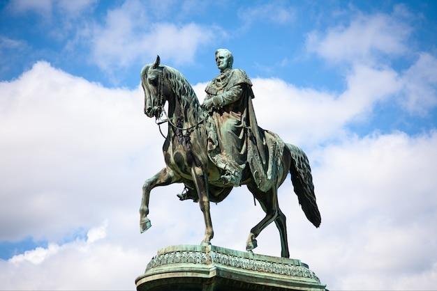 Statua del re johann john, dresda, germania