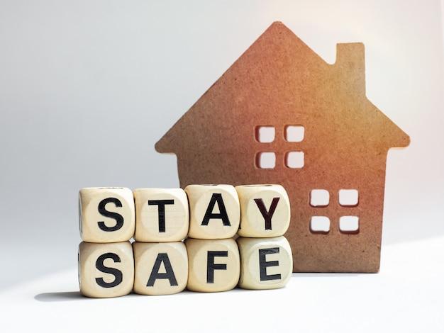 Resta al sicuro concetto, resta a casa, campagna sui social media per la prevenzione della pandemia di covid-19 o coronavirus.