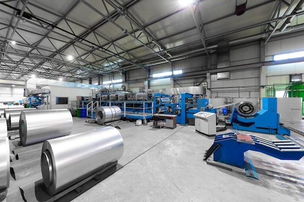 Impianti, macchine e attrezzature per la lavorazione dell'acciaio.