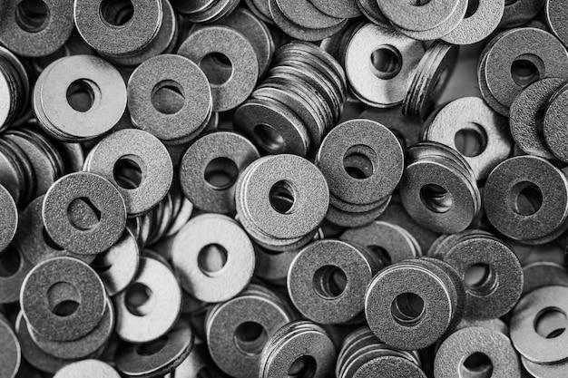 Cerchio ad anello in acciaio, fondo con rondelle in metallo lucido