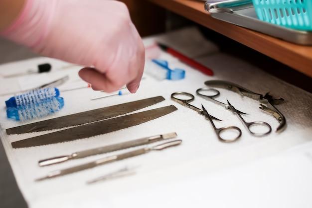 Sterilizzazione di strumenti per manicure