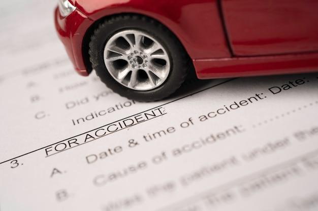 Stetoscopio sul modulo auto incidente di reclamo di assicurazione