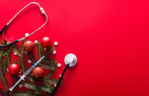 Pillole della siringa dello stetoscopio ramo dell'albero di natale a