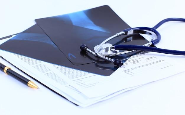 Stetoscopio sul tavolo