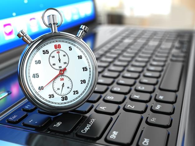 Cronometro sulla tastiera del laptop concetto di scadenza