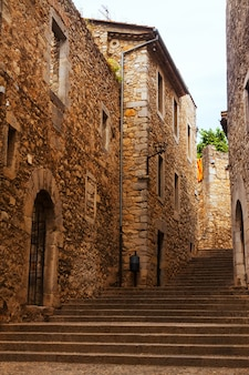 Vista sulla strada medievale di girona