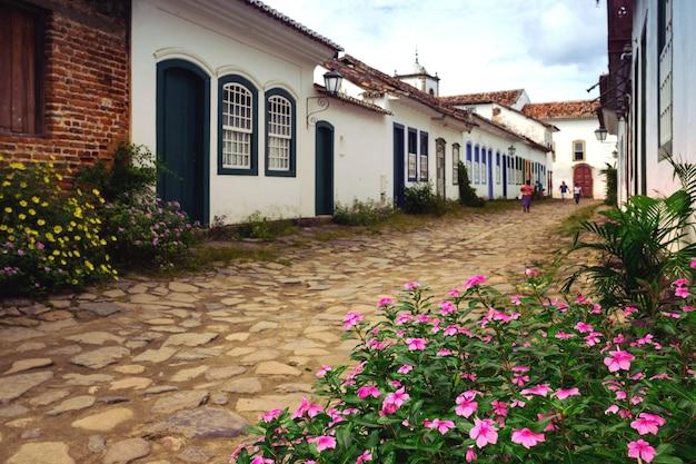 Strade della famosa città storica paraty, brasile