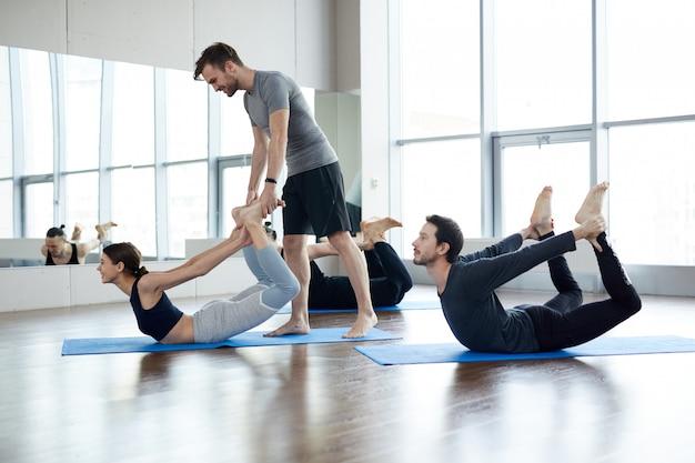 Rafforzare i muscoli della schiena con lo yoga
