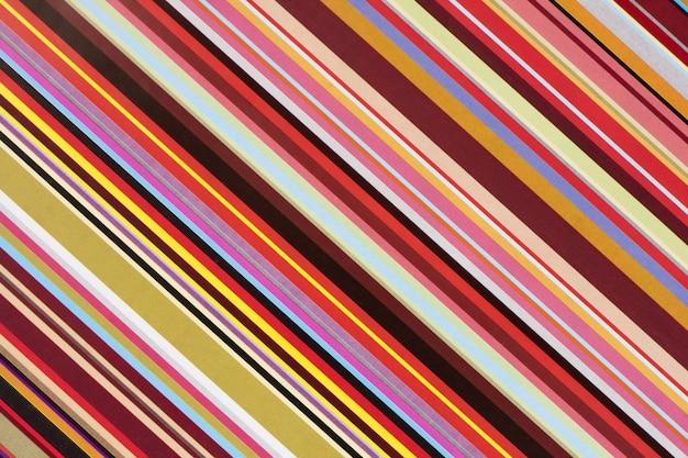 Carta regalo a righe colorate
