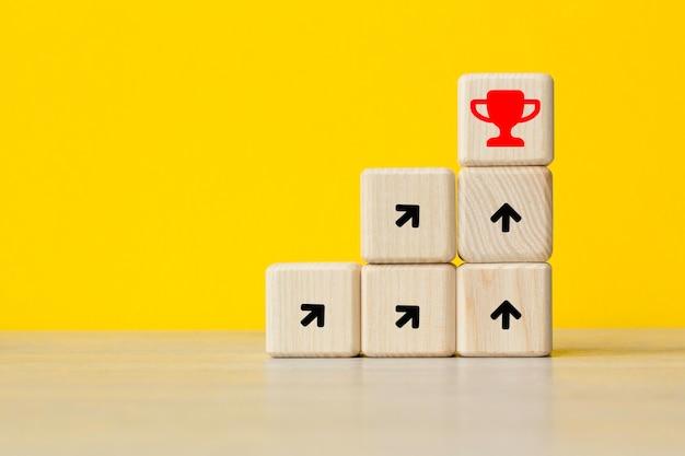 Sforzarsi per un obiettivo. idea, innovazione il concetto di leadership. . il concetto di business mondiale, marketing, finanza.