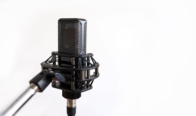 Microfono a condensatore da studio, bianco