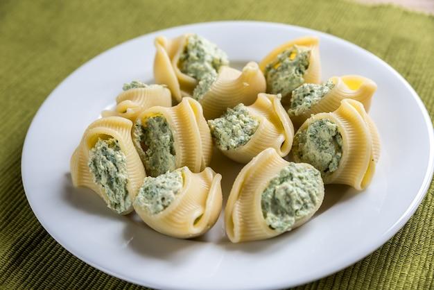 Lumaconi ripieni di formaggio