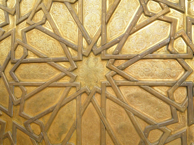 Fantastico modello arabo della porta in ottone del palazzo reale