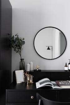Elegante angolo da toeletta di lusso bianco e nero in moderno stile scandinavo