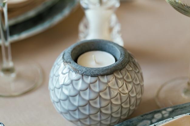 Fine rotonda ceramica alla moda del supporto di candela su