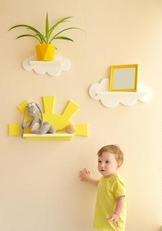Design degli interni elegante e moderno. casa per la stanza dei bambini.