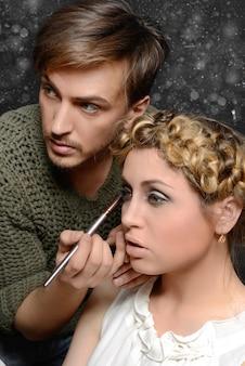 Stilista e il suo modello
