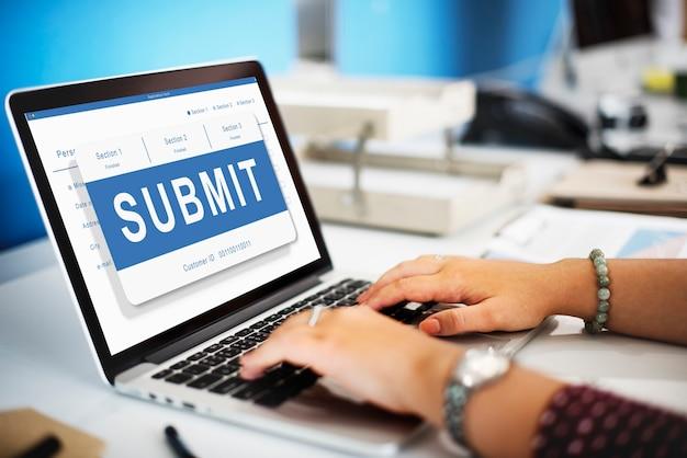 Invia domanda registrazione iscrizione invia concetto