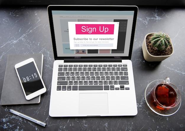 Iscriviti alla newsletter iscrizione ai social media
