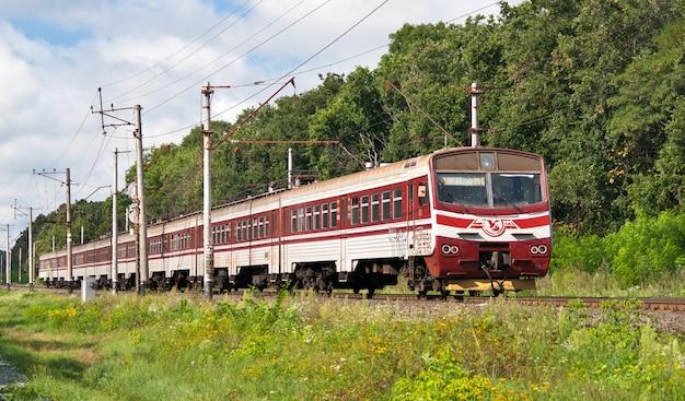 Treno elettrico suburbano in ucraina