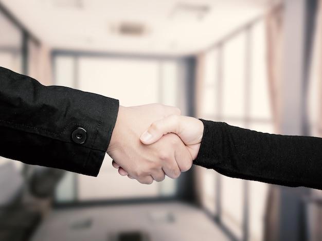 Concetto di business di successo con agitazione della mano