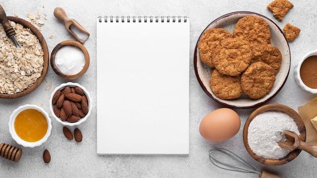 Disposizione dei biscotti senza zucchero laici piatta