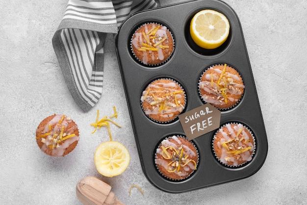 Disposizione dei muffin senza zucchero sopra la vista
