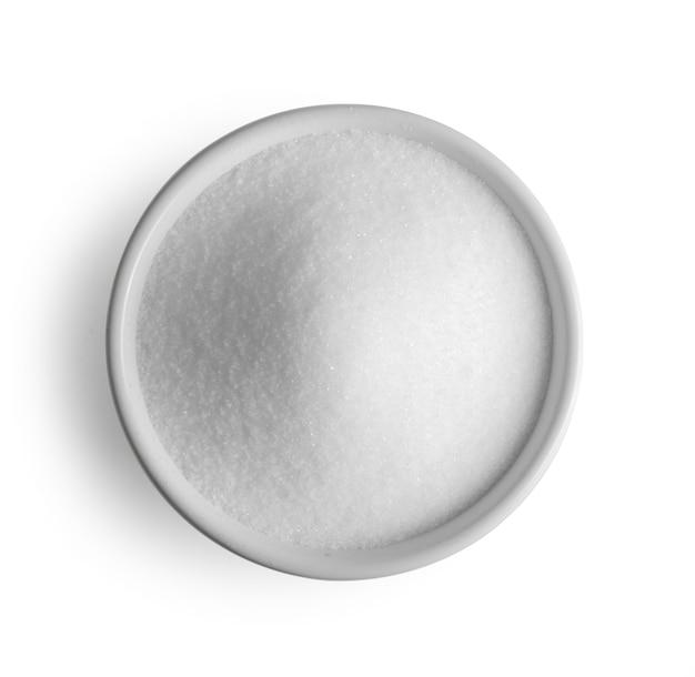 Zucchero isolato su sfondo bianco.