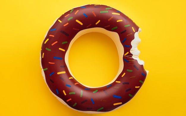 Bandiera del cerchio di ciambella estiva su sfondo giallo