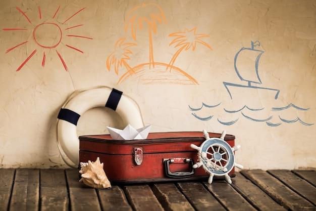 Viaggio estivo e concetto di vacanza