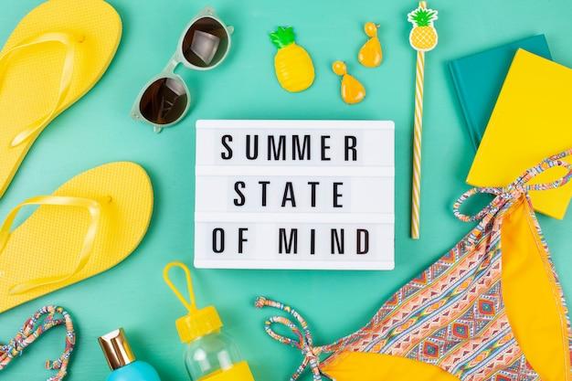 Vacanze estive, viaggi, turismo concetto piatto lay