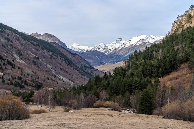 Tramonto nel parco nazionale di aiguestortes i estany de sant maurici.