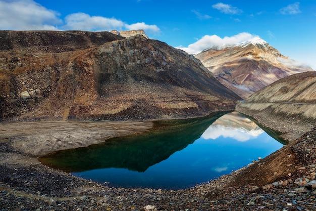 Lago suraj tal, himachal pradesh, india