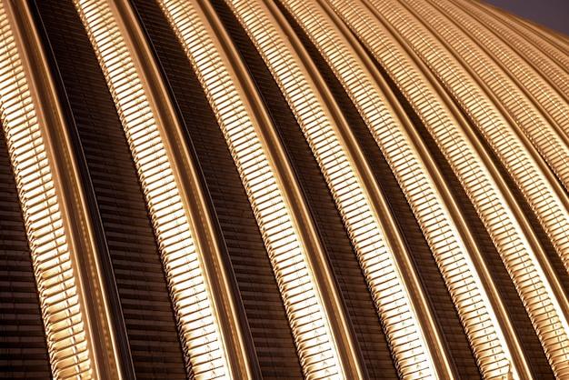La superficie di un fondo astratto del tetto del metallo industriale