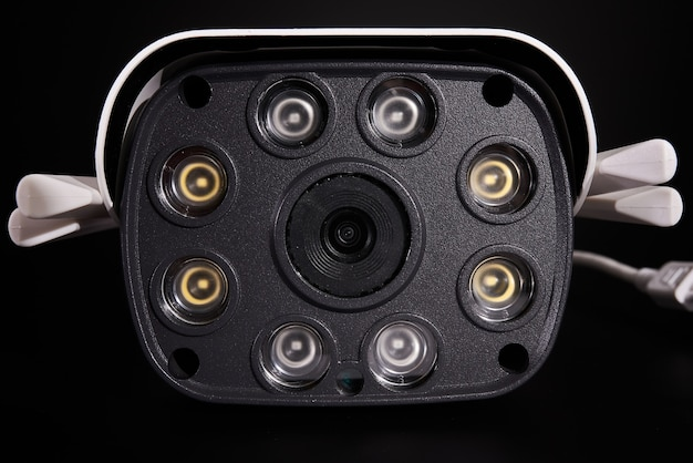 Telecamera di sorveglianza isolata, primo piano.