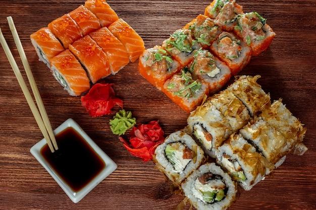 Rotoli di sushi dello chef seth philadelphia