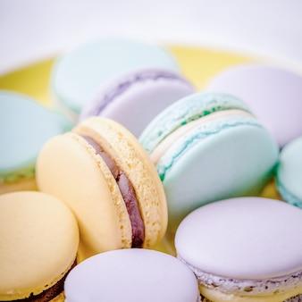 Dolce colorato pastello francese dessert amaretti o macaron