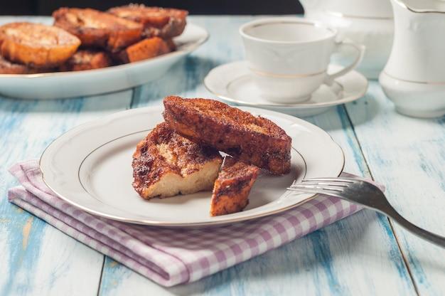 Dolce toast francese tipico di pasqua