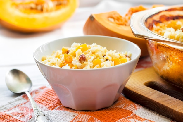 Miglio dolce al latte e porridge di riso con zucca e uvetta