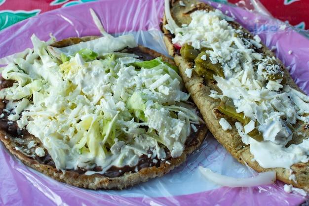 Tacos tipico cibo messicano piatto di cibo messicano