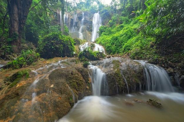 Tad sadao cascata, kanchanaburi thailandia