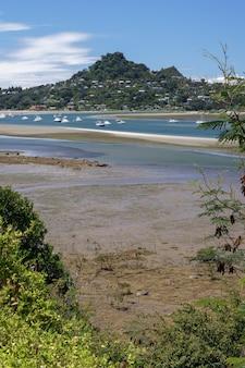 Tairua, nuova zelanda - 8 febbraio: ingresso a tairua nuova zelanda l'8 febbraio 2012