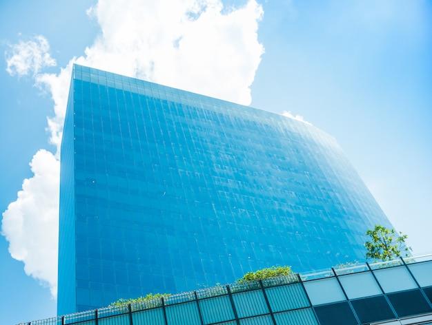 Edificio alto con vista del mouse