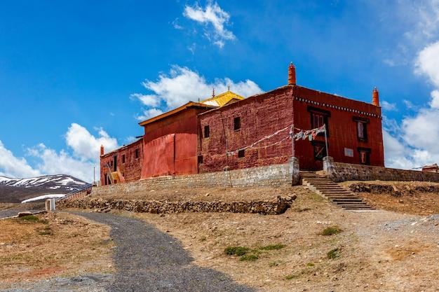 Monastero buddista di tangyud gompa nella valle di spiti himachal pradesh india