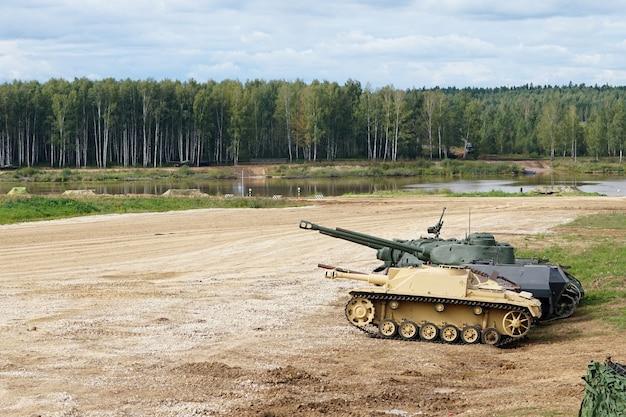 Carri armati sulla vista del campo di battaglia