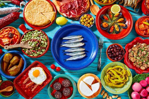 Tapas dalla spagna mix di cibo mediterraneo