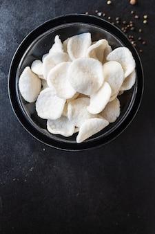 Spuntino di tapioca o patatine di riso