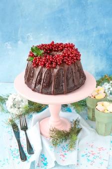 Gustosa torta di natale sul tavolo